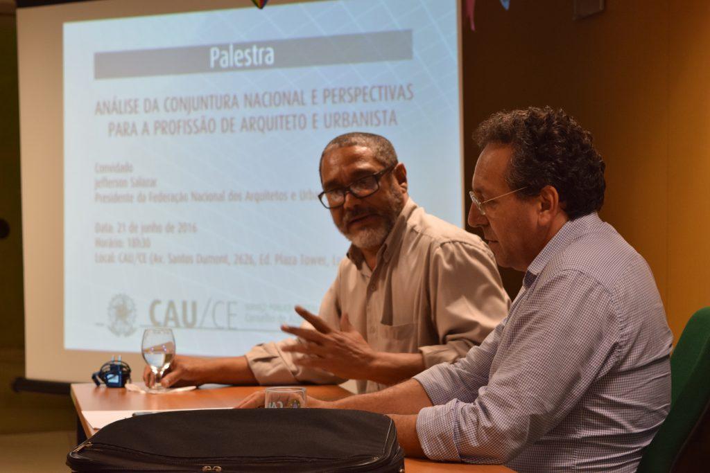 Presidente da FNA debate conjuntura nacional e perspectivas para a profissão