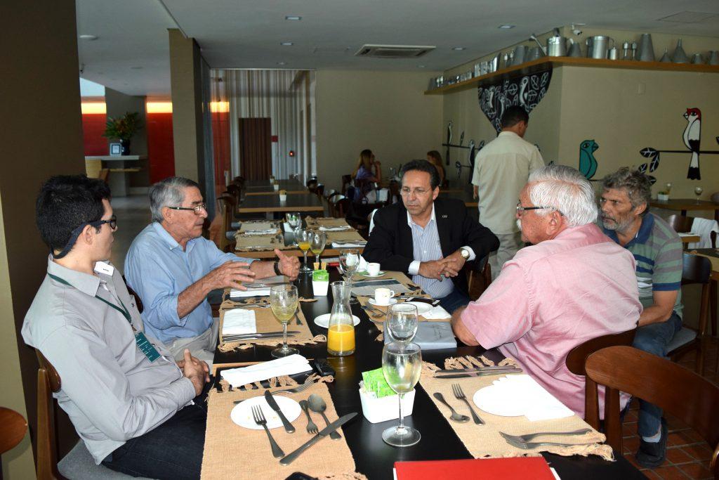 Representantes do CAU/CE em reunião com o prefeito de Juazeiro do Norte