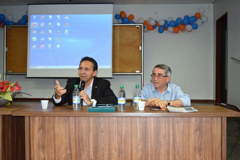 Gestores do CAU/CE respondem perguntas na Faculdade de Juazeiro do Norte